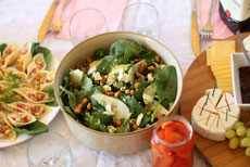 Spinach-pear jar salad